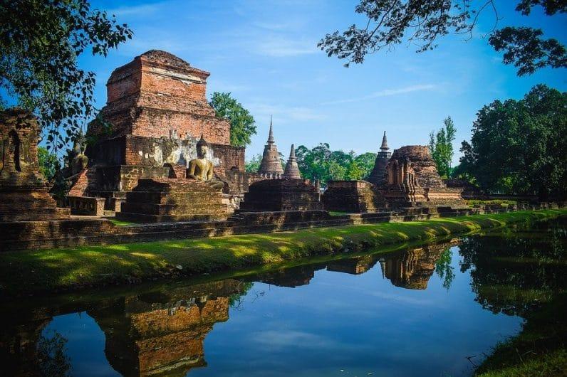 paisajes de tailandia, comidas que no te puedes perder en tailandia, turismo alternativo en tailandia, gruta esmeralda en tailandia, prachuap khiri khan,