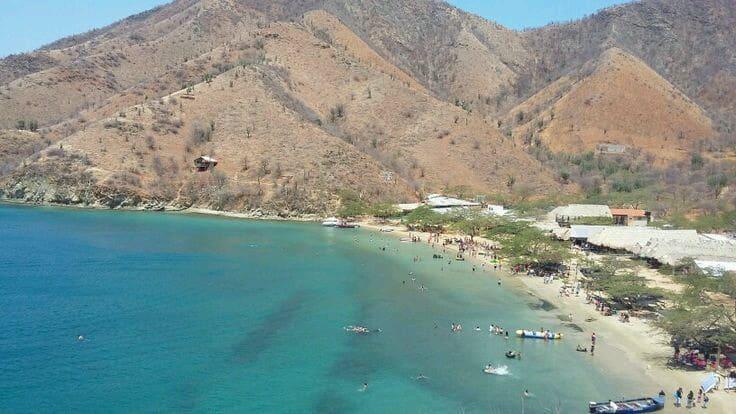 Playa Grande, de las mejores playas de Colombia para ver coloridos peces