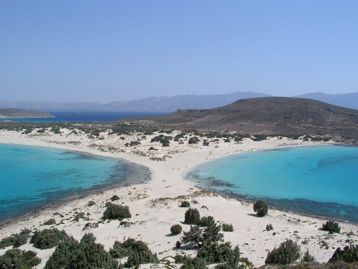 playa de simos en la costa griega