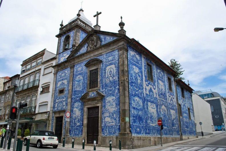 La Capilla de las Almas que ver en Oporto