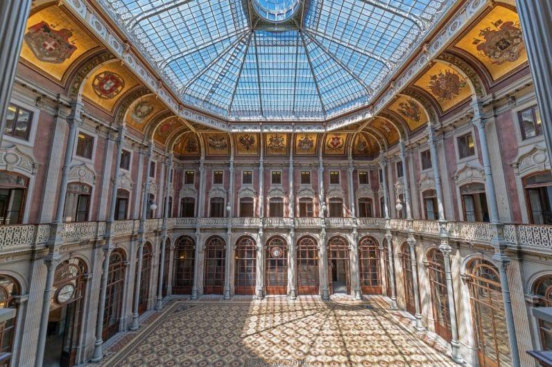 Palacio de la Bolsa uno de los lugares que ver en Oporto