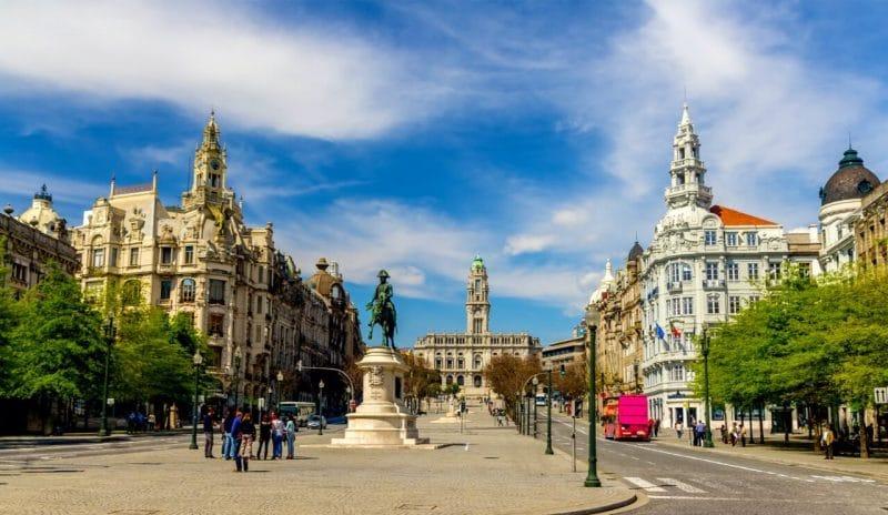 Plaza de la Libertad en Oporto