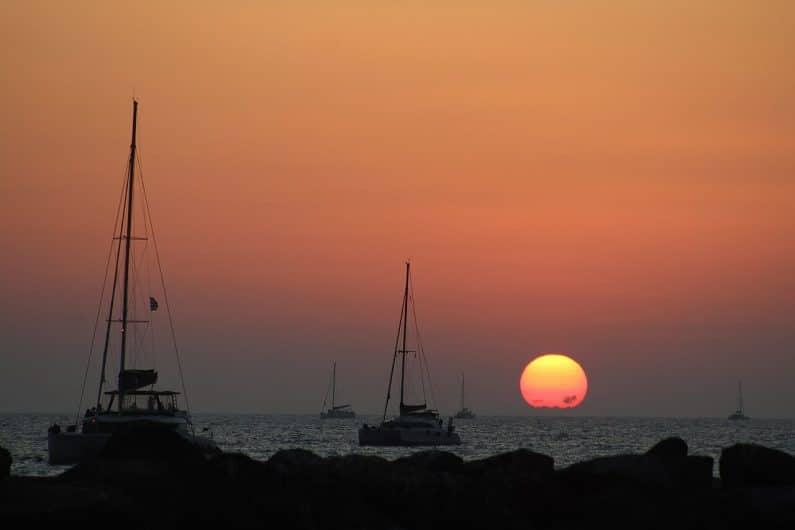 Atardecer en Playa Vlychada Santorini