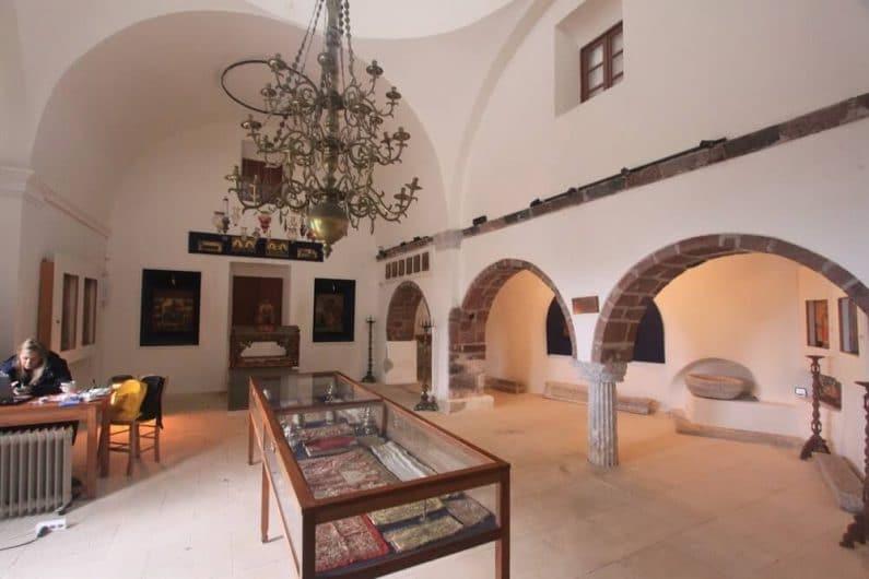 El Museo de iconos y reliquias Pyrgos