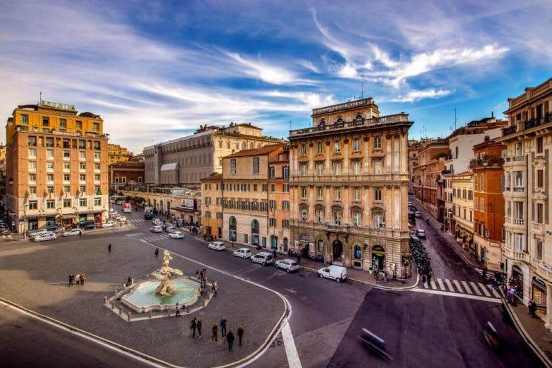 Vía Barberini Roma